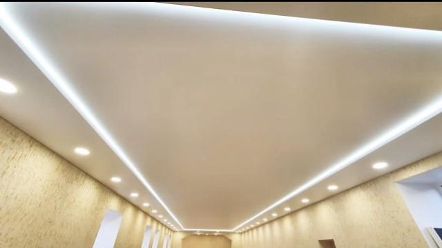 Двухуровневый потолок с межуровневой подсветкой